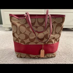 COACH Red/Gold/Tan reversible tote No.H0668-10125